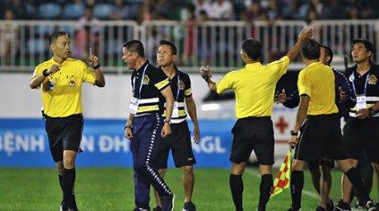 www.123raovat.com: 388 đưa tin: HLV Chu Đình Nghiêm xin lỗi NHM