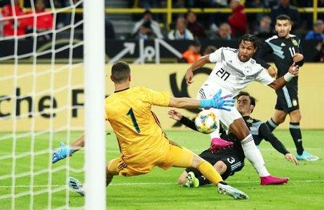 Club 388: Tip bóng đá 17/11 02:45 Đức vs Belarus: Ám ảnh chấn thương